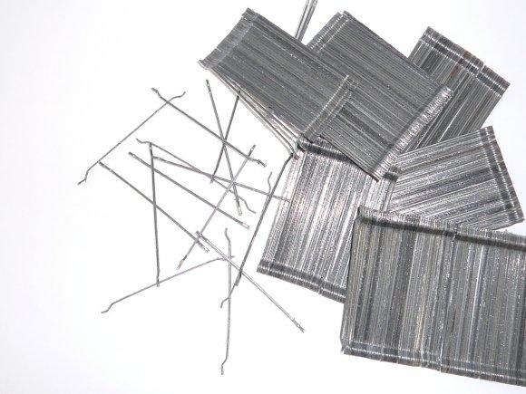 Norik lepljena jeklena vlakna
